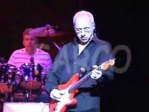 Sultans of Swing - AMAZING AUDIO! - Mark Knopfler -Live 2005 Music Videos