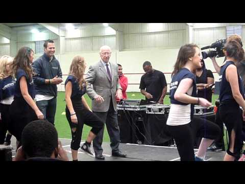 Sir Bobby Charlton dancing by mancunianmatters.co.uk
