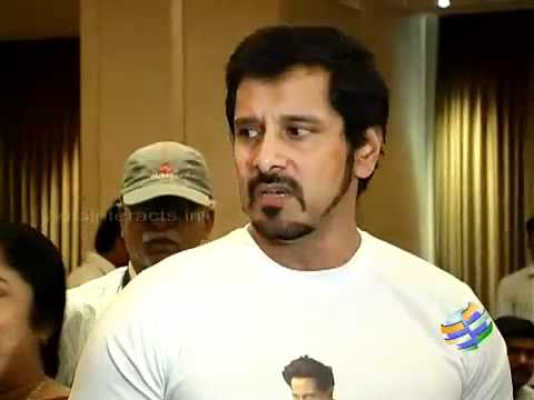 Vikram's double action in Thandavam