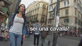 100 molestie in 3 ore: trans cammina per Napoli