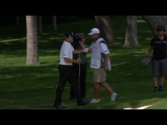 Bill Haas holes out from greenside bunker for birdie at DEAN & DELUCA