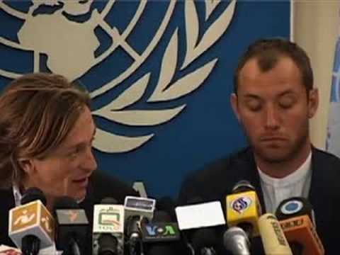 "UNICEF: Jude Law promotes ""Peace One Day"" in Afghanistan"