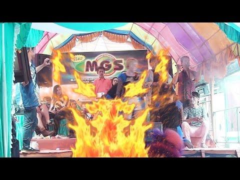 download lagu Panggung Dangdut Nyaris Kebakaran gratis
