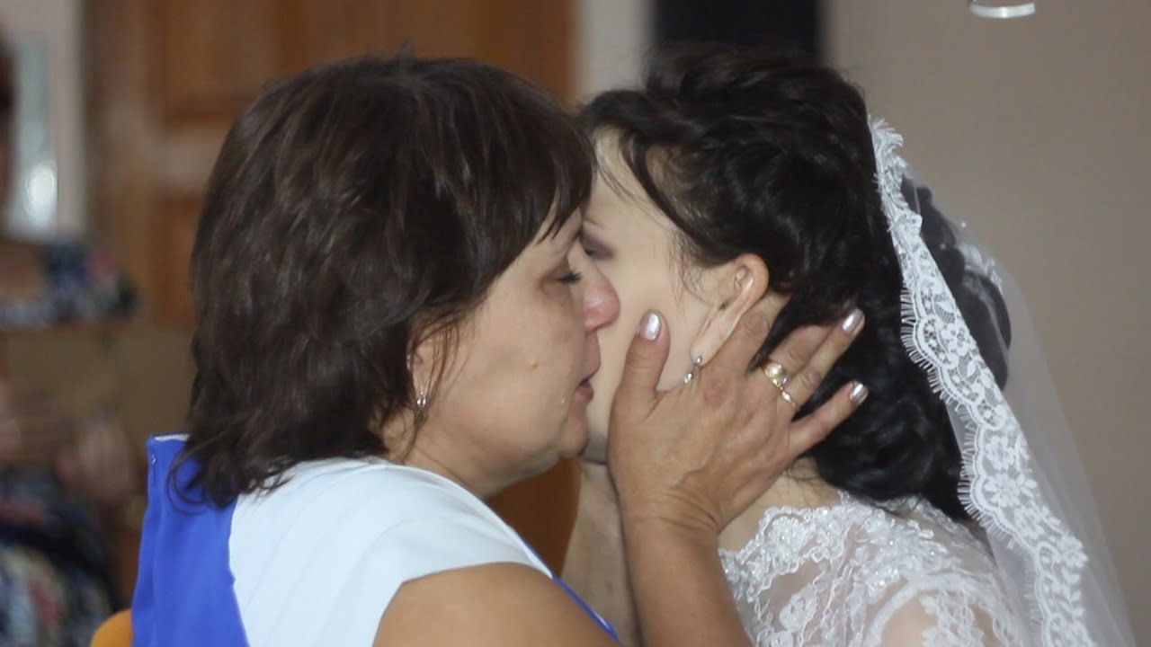 Трогательные поздравления папы дочери на свадьбу от мамы