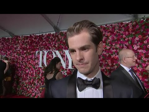 Andrew Garfield: theater 'has to be political'