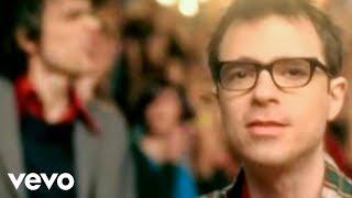 Watch Weezer Beverly Hills video