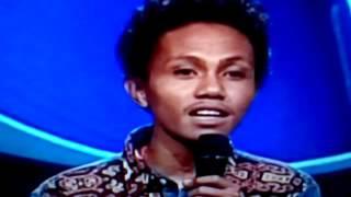 Ephy Sekuriti Kupas Kesenjangan di NTT Stand Up Comedy bikin Tertawa dan Memberi Info   K