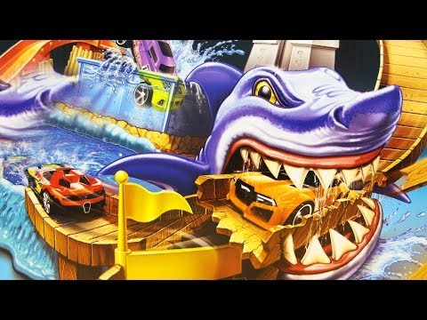 Sharkport Showdown Trackset / Wyścig Port z Rekinem Autokolorowańce - Hot Wheels