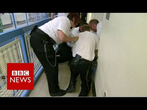 BBC exclusive: A look inside Wandsworth prison (Part 2) - BBC News