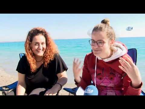 Antalya'da Kasım Ayında Denize Giriyorlar