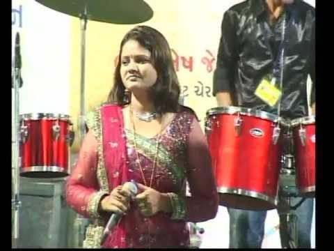 Gujarati Garba Song Navratri Live 2011 - Kalol - Darshna Vyas, Vipul Panchivala - Day-4 Part-13 video