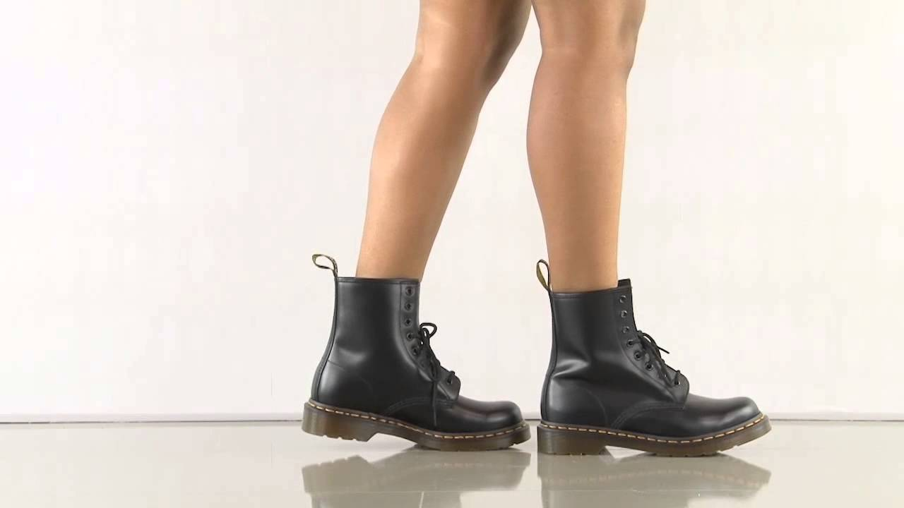 W In Black Smooth Dr Martens Youtube