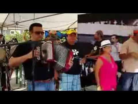 Osvaldo Ayala en el Cierre de los carnavales - Parque centenario de Chitré. 2014