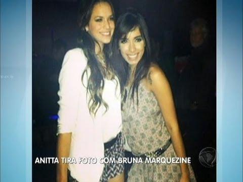 Anita tira foto com Bruna Marquezine para espantar boatos de traição