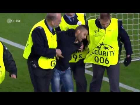 Bayern Munchen Players Celebrate With Fan On Pitch And Ribery Gives Shirt - Full Part HD