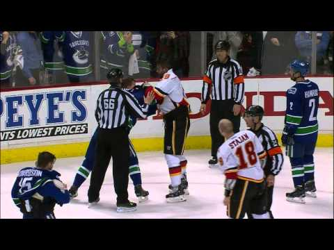 Gotta See It: Flames & Canucks brawl to end Game 2