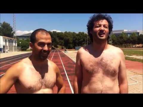 Velocista contra Filósofo en una pista de atletismo