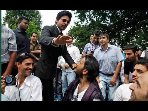 Shah Rukh Khan's ad shoot was disrupted by political activists in Mumbai