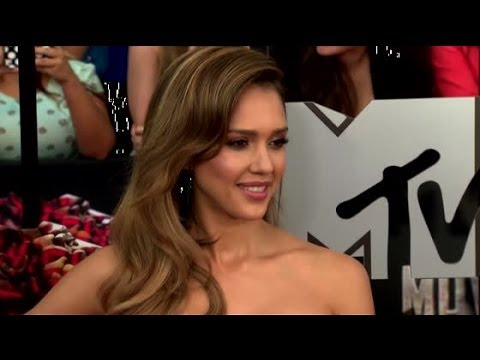 Jessica Alba Messed Up Zac Efron's Name At The MTV Movie Awards