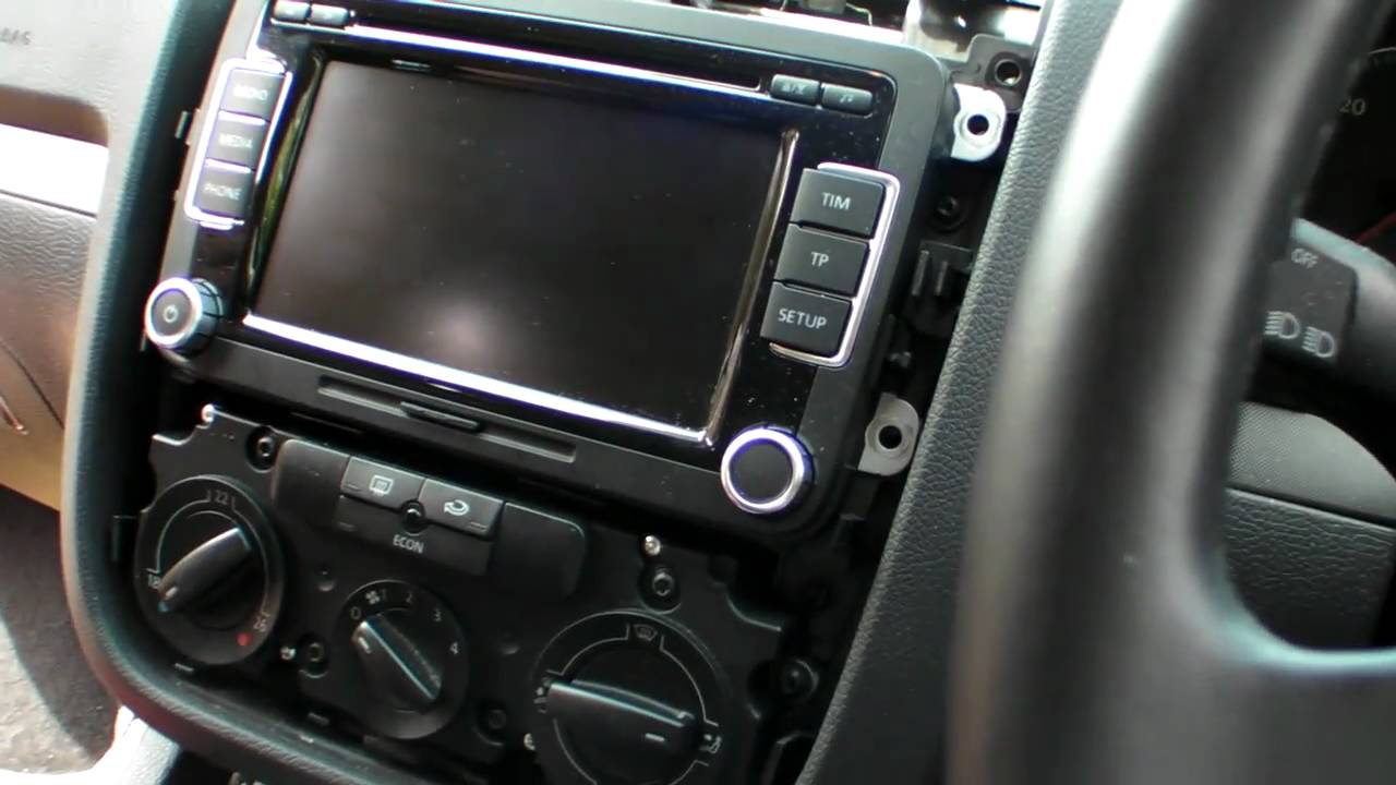 DIY Removal of an RCD510 from VW Golf MK5 - YouTube