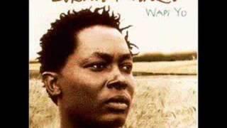 Watch Lokua Kanza Wapi Yo video