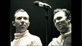 Watch Tommy Makem As I Roved Out video