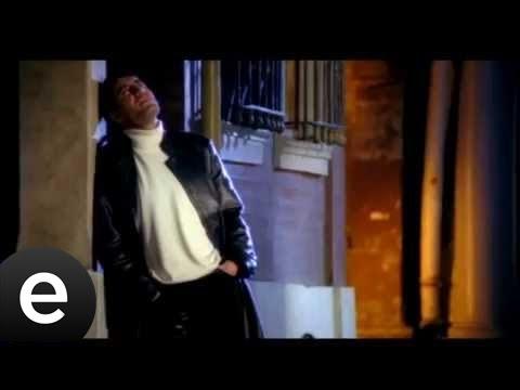 Bir Telefon (Telefonun Başında Çaresiz Bekliyorum) (Hakan Altun) Official Music Video #hakanaltun