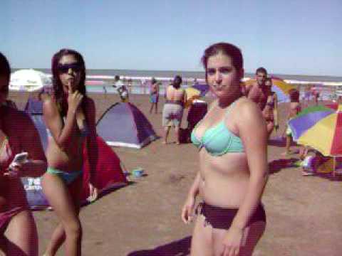 **Chicas en la playa**