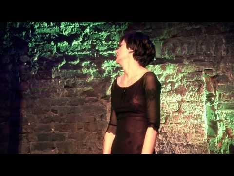 Kabaret na Koniec Świata - Izabela Dąbrowska - Żona Benka