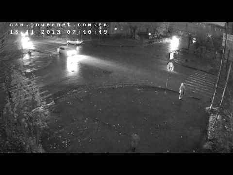 Сбита женщина, пересечение проспекта им. Ленина и улицы Комсомольской (г.Волжский)