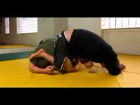 MMA Arm Bars & Submission Techniques : Arm Bars in MMA Image 1