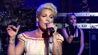 Pink – Who Knew (Live)