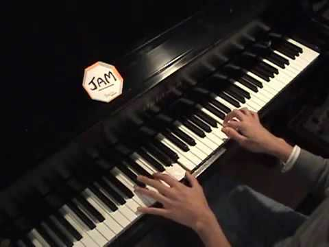 Bella's Lullaby Carter Burwell - Edward Cullen - Twilight - Piano Version video