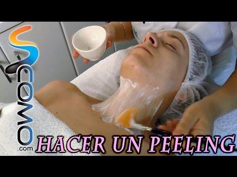 Cómo hacer un peeling - limpieza facial profesional (2/3)