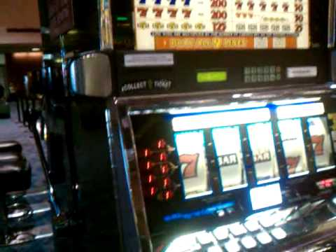 las vegas airport slot win