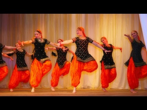 Indian dance group Mayuri - BUMBRO