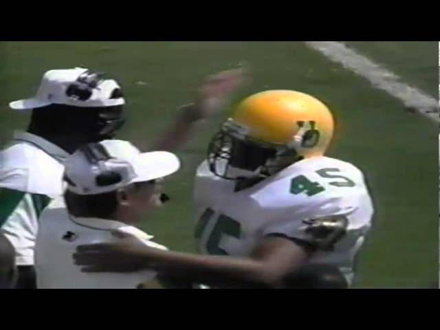 Oregon FB A.J. Jelks runs 18 yards for a touchdown vs. UCLA 9-16-1995