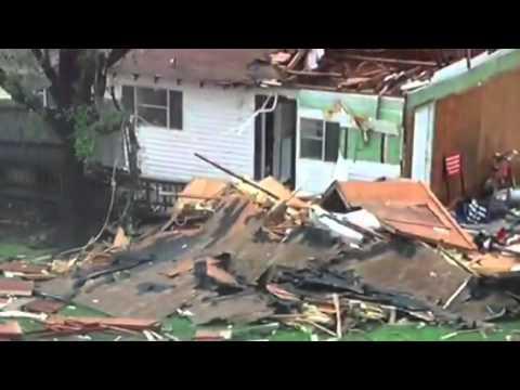Tornado damage in Van, TX 2015-05-10