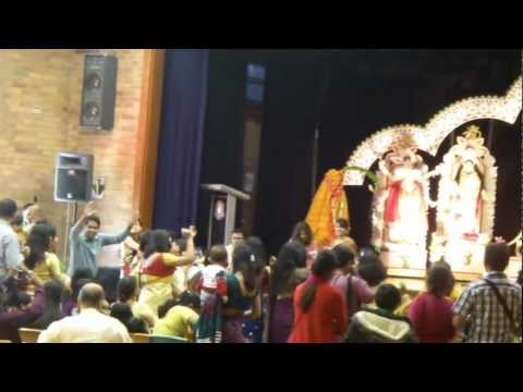 Uttaran Durga Puja 2012 Ladies Dancing With Dhol Drum video
