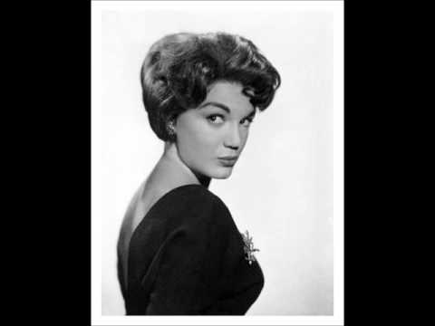 Connie Francis - Dont Break The Heart That Loves You