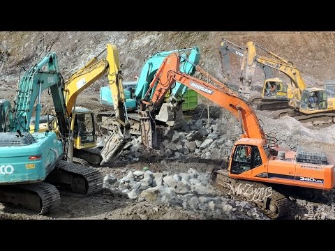 Excavators Breaking Rocks Doosan 340LCV Komatsu PC300 PC210 PC200 Kobelco SK200 Volvo EC210B