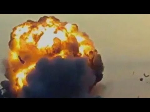 Israeli airstrike on Gaza caught on amateur video