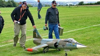 STARFIGHTER F-104 HUGE RC SCALE MODEL TURBINE JET FLIGHT DEMONSTRATION