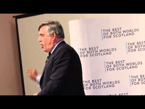 Gordon Brown heckled during Better Together speech in Dundee