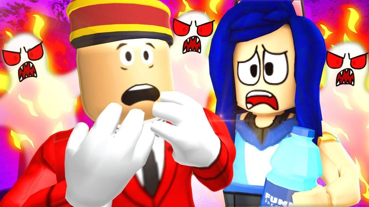 WHAT'S WRONG WITH THIS PLACE...? ESCAPE THE HAUNTED HOTEL IN ROBLOX!