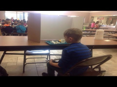 Mom Visited Her Son In The School Lunchroom. Then She Saw What Teachers Had Done And Was Outraged thumbnail