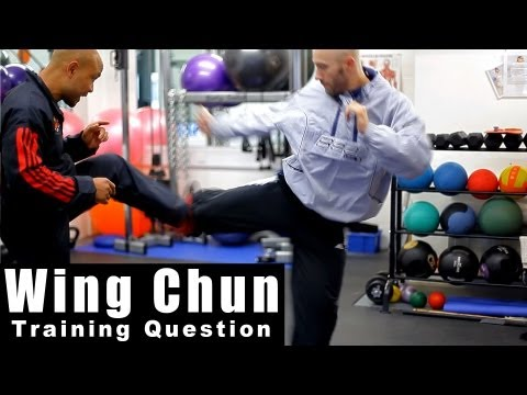wing chun techniques - How to control distance. Q10 Image 1