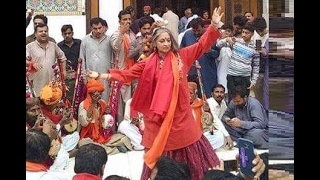 Download Sheema Kirmani dhamal at shrine of Lal Shahbaz Qalandar 3Gp Mp4