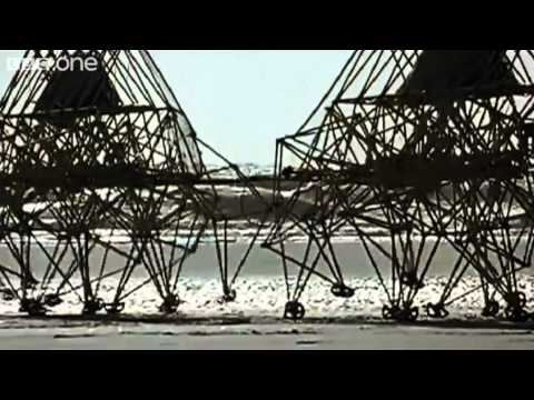 Theo Jansen's Strandbeests - Wallace & Gromit's World of Invention Episode 1 Preview - BBC One