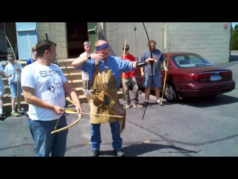 Master Bowyer Tom Turgeon at the Minneapolis MN Long Bow Class 2012-08-05